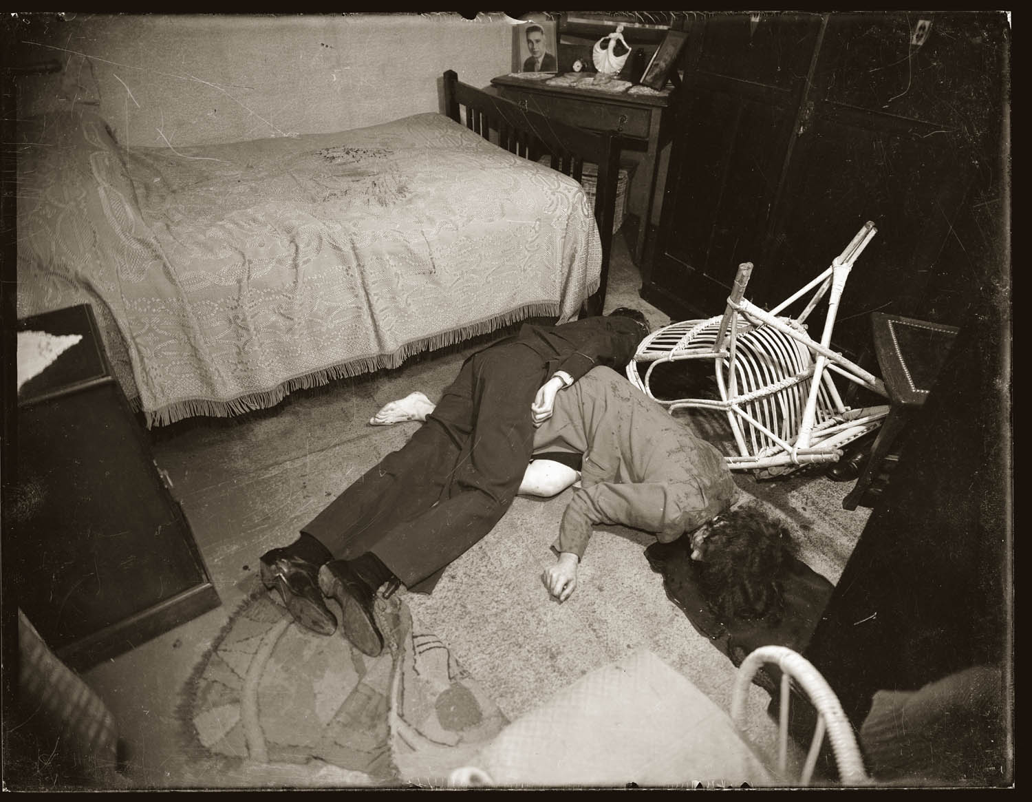 Bedroom, scene of shooting murder of Alice Isabella Anderson by Maurice Reuben John Anderson, and the subsequent suicide of the latter, at 75 Birrell St Waverley, NSW, 2 May 1944.