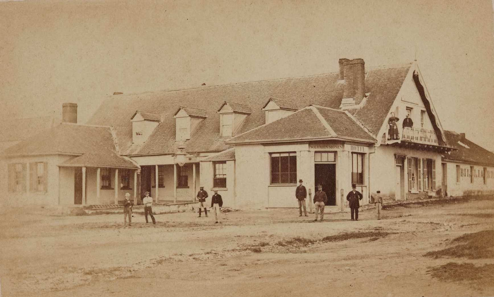 Doncaster Hotel, Braidwood, around April-May 1870 / American and Australasian Photographic Company