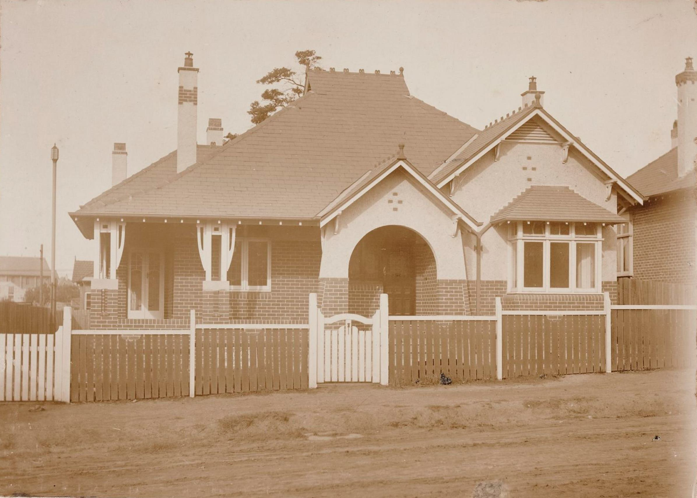 Hythe, 5 Winchcombe Avenue, Haberfield, N.S.W. around 1913 / photographer unknown