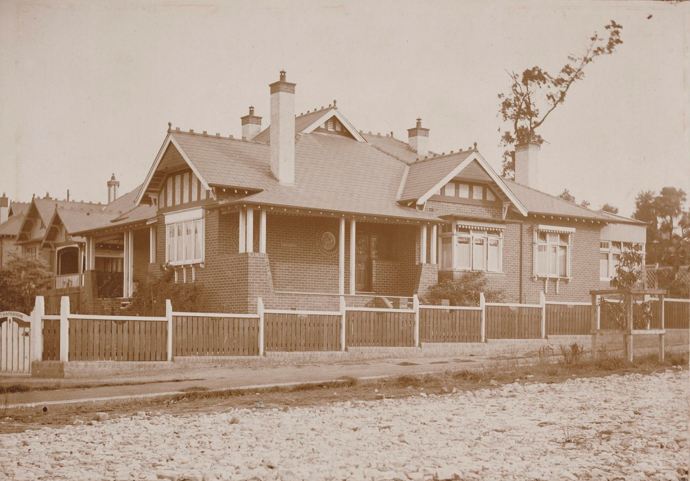 Strathavon, 4 Denman Avenue, Haberfield, N.S.W. around 1913 / photographer unknown.