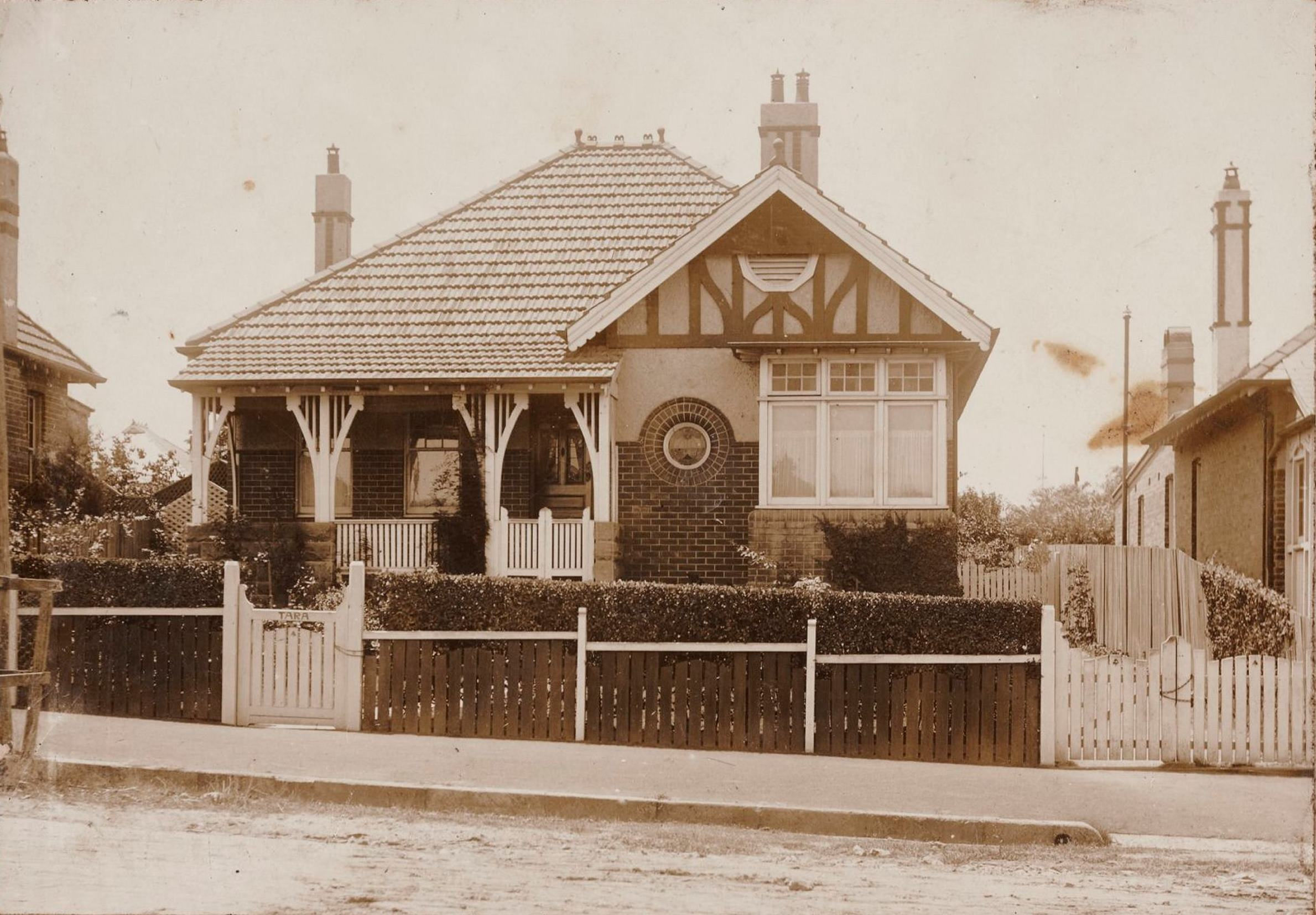 Tara, 29 Barton Avenue, Haberfield, N.S.W. around 1913 / photographer unknown