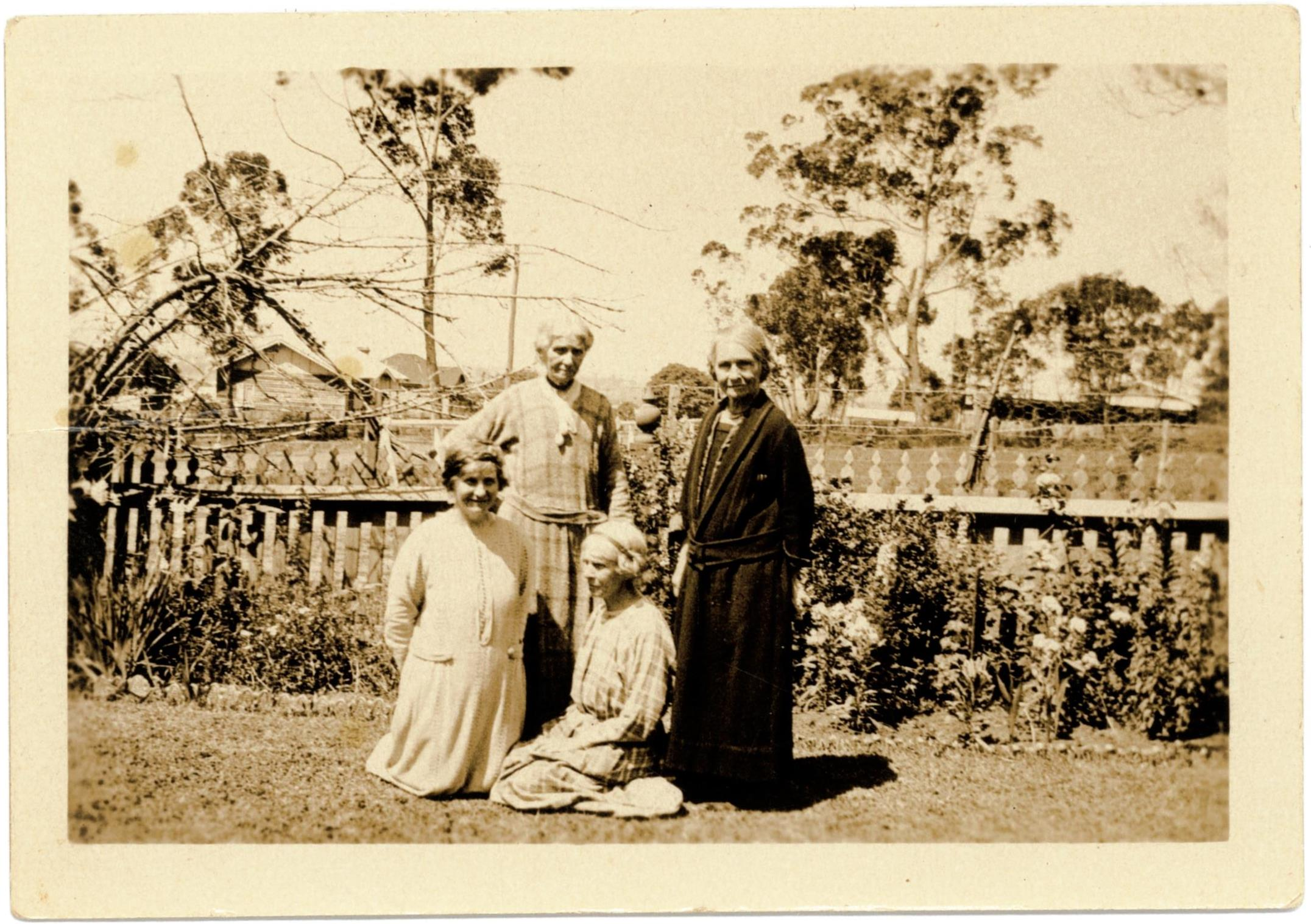 The Thorburn sisters in the garden at Meroogal, around 1922 / photographer unknown.