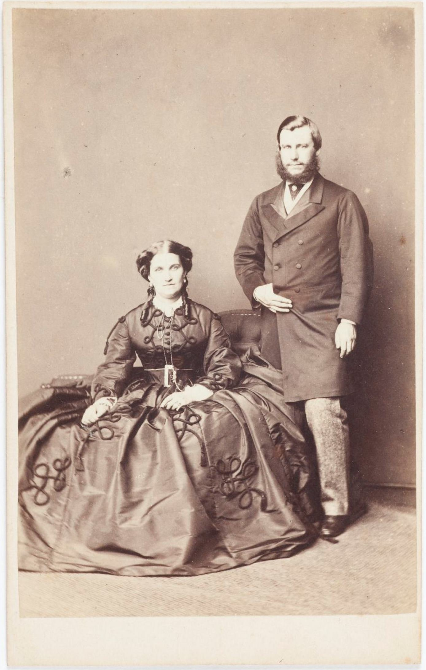 Jane Emma Terry, nee Peters (1845-1921), and her husband Richard Rouse Terry (1838-1898) in London, around 1864 / William Telfer, photographer